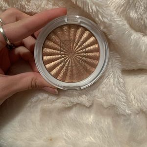 Ofra cosmetics highlighter